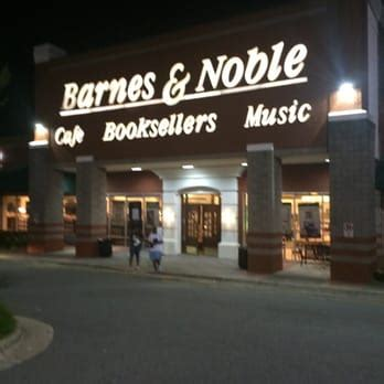 barnes and noble contact barnes noble booksellers 14 reviews bookstores