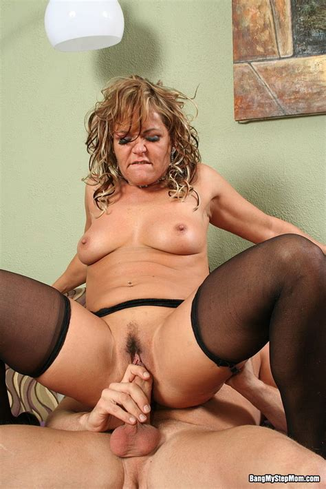 Sexy Milf Gets Fucked Pichunter