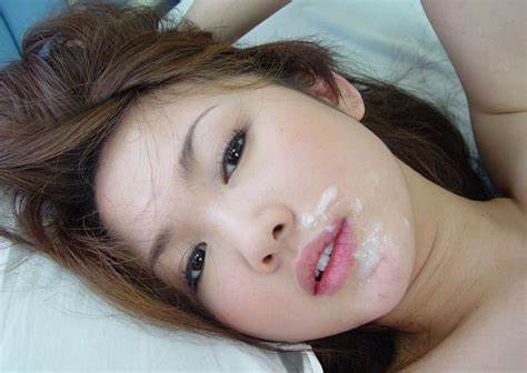 Adorable Chinese Washes Her Figure 60