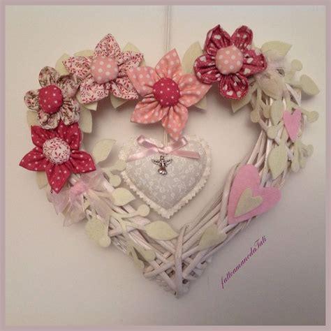 fiori nascita corona fiocco nascita con fiori rosa e cuori bambini