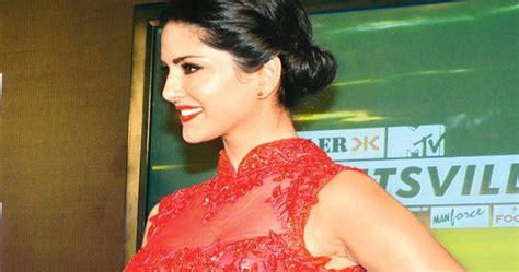 Sunny Leones Sex Scene Videos Crosses 5 Lakh Views