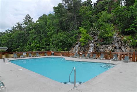 tennessee cabins with pools pigeon forge cabin rentals oh yea