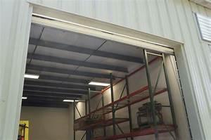 Garage Gap : garage door gap the wandering axeman sealing gaps in garage doors for winter before after ~ Gottalentnigeria.com Avis de Voitures