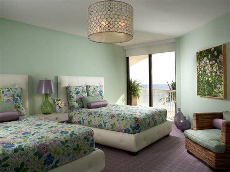 colorful  vibrant bedroom linens hgtv