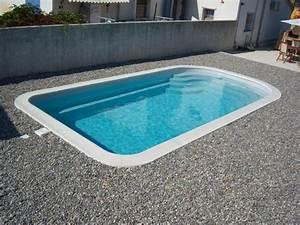 Margelle Piscine Grise : piscine grise margelle blanche petite piscine coque ~ Melissatoandfro.com Idées de Décoration