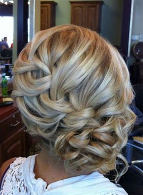 fryzury upiete na wesele