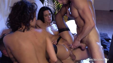 Best Girlfriends Alexa Tomas And Nikita Bellucci Do In The
