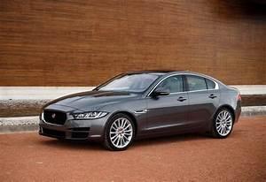 Avis Jaguar Xe : jaguar xe 2 0d 132kw pure 2018 prix moniteur automobile ~ Medecine-chirurgie-esthetiques.com Avis de Voitures