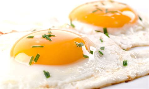 what to do with eggs 4 ways to upgrade your fried eggs extra crispy