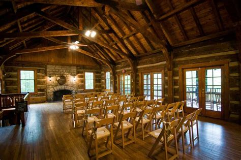 Table Rock Lodge Wedding Photos and Information | J.Jones