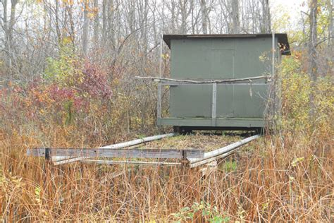 How To Build A Duck Blind On A Pontoon by State Regs To Build Creative Duck Blind Wildf