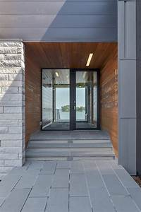 Amazing House Design With Fabulous Front Door Choice