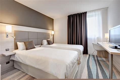 chambre d hotel design chambre 2 lits chambres spacieuses et design avec
