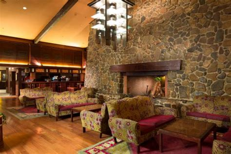 disneyland hotel chambre disney 39 s sequoia lodge hotel coupvray voir les tarifs