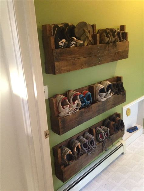pallet shoe rack ideas  suit  tastes