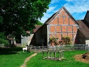 Mary Arden's Farm (Stratford-upon-Avon, England) on ...