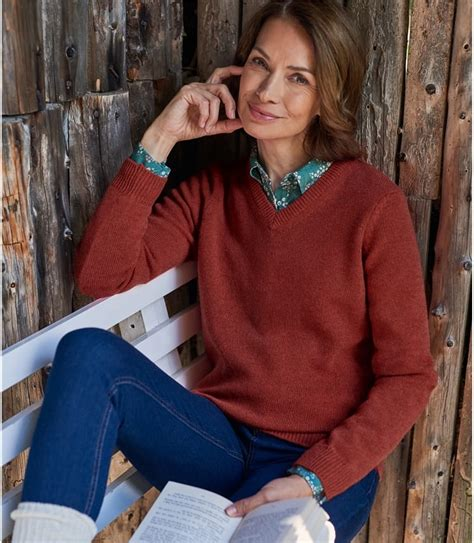 chilli lambswool classic  neck jumper woolovers uk