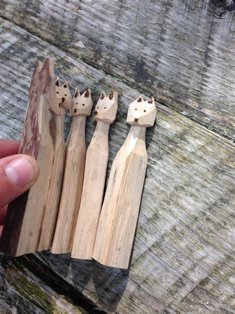 skulk  foxes whittling project kindling play  training