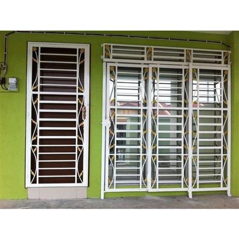 Bedroom Window Grill by Modern Window Grill At Rs 250 Square Window Grills