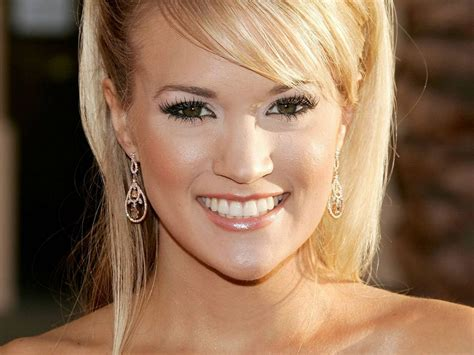 Carrie Underwood Hot Pictures, Photo Gallery & Wallpapers