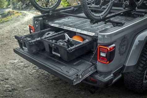 mopar accessories ready    jeep gladiator  fast lane truck