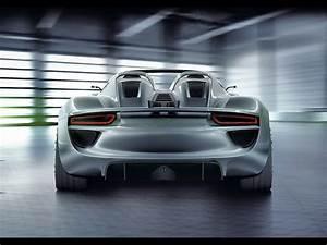 Porsche 918 rear wallpapers | Porsche 918 rear stock photos