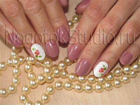 Услуги наращивания ногтей гелем в салоне красоты Mix Nails в Москве