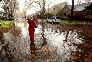 40 people rescued from flash floods in California | Daily ...
