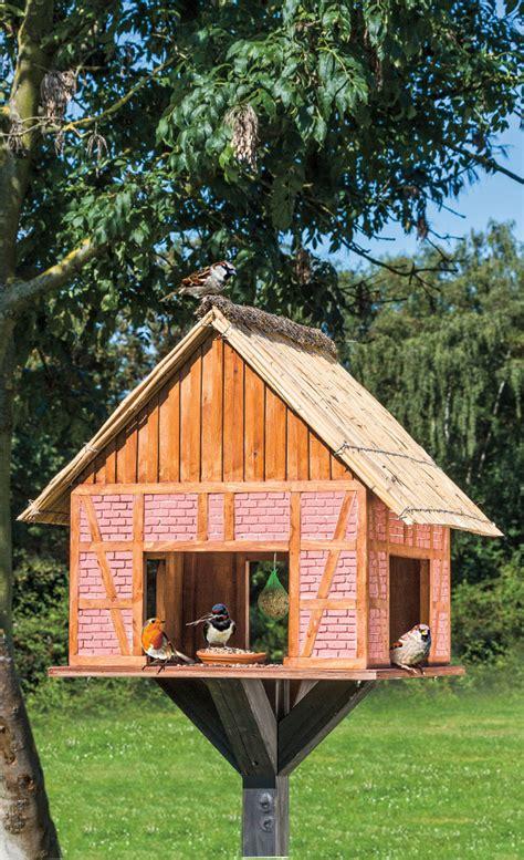 vogeltränke selber bauen vogelhaus selber bauen futterhaus nisthilfen selbst de