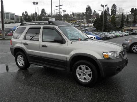 ford escape xlt  automatic roof rack surrey