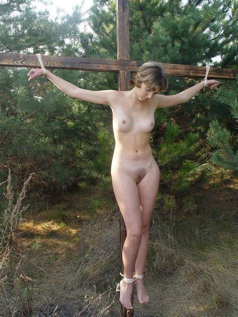 Nude Female Crucifixion Image 4 Fap | CLOUDY GIRL PICS
