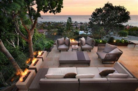 sonnenterrasse gestalten mit modernem lounge bereich