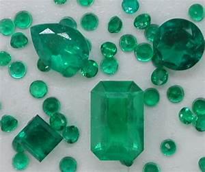 'tiques n t'ings: Emeralds  Emerald