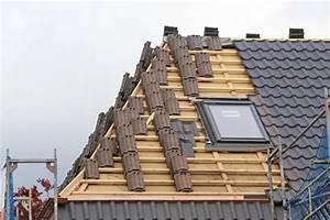Kosten Dach Neu Decken : dach decken lassen mit 3 berlegungen den besten dachdecker finden ~ Watch28wear.com Haus und Dekorationen