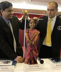 World's smallest woman Jyoti Amge hopes to make it big in ...