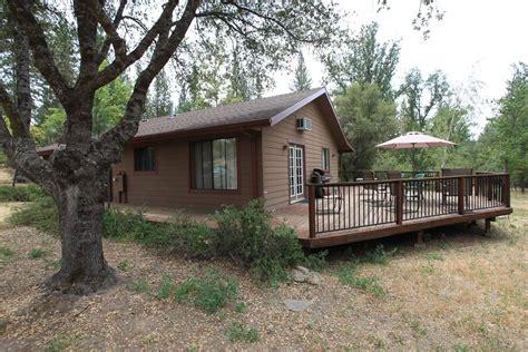 cabins in yosemite pet friendly cabin in yosemite california