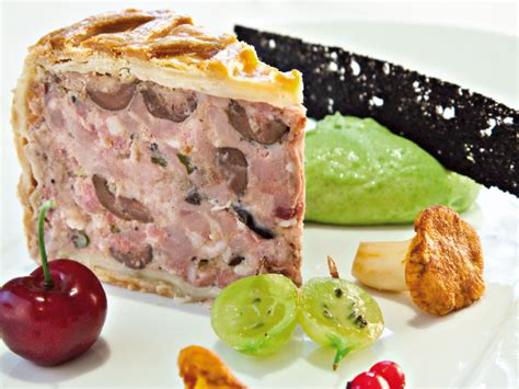 pate lorrain recette chef p 226 t 233 de canard et olives en cro 251 te par le chef alain dutournier
