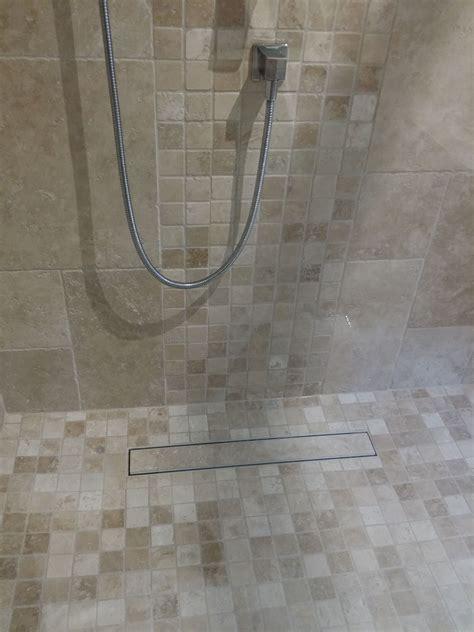 Naturstein Mosaik Dusche by Travertin Mosaik F 252 R Die Ebenerdige Dusche Www Steinlese
