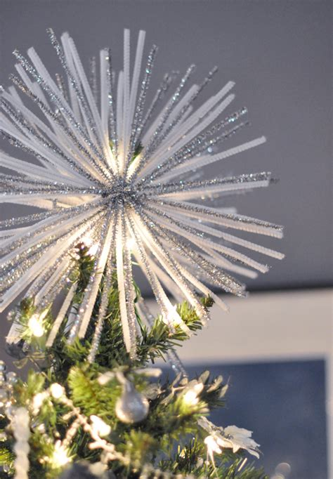unique tree toppers  add charm   christmas tree