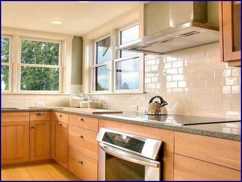 Backsplash Ideas With Cabinets by Kitchen Tile Backsplash Ideas With Maple Cabinets