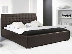 Lit design marron avec tete de lit matelassee izac 160x200 cm for Chambre design avec sommier et matelas 120x200