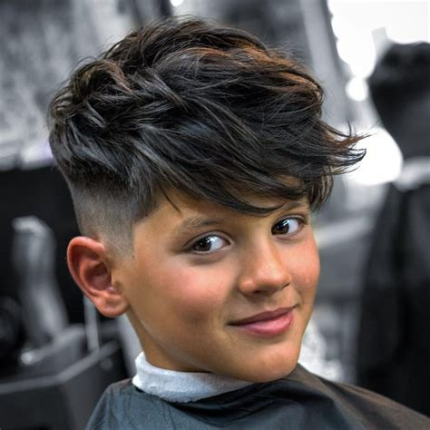 jungs frisuren lang cool in der schule 23 moderne jungs frisuren im trend frisurentrends zenideen