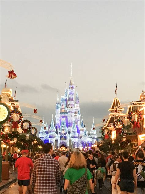 walt disney world magic kingdom main street christmas day