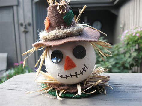 Craft Klatch ® Fall Scarecrow Ornament Craft Tutorial