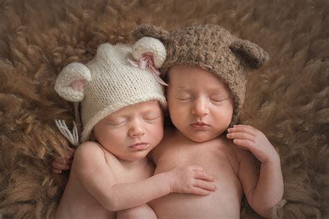 baby photographer essex twin photoshoot babies cuddling