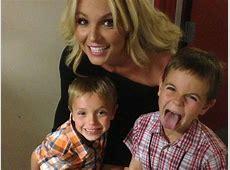 Britney Spears Küsse sind ihren Kindern peinlich