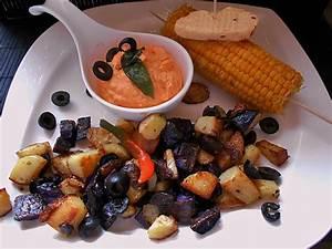 Rezepte Mit Schwarzen Johannisbeeren : kartoffeln mit schwarzen oliven rezept mit bild ~ Lizthompson.info Haus und Dekorationen