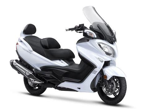 Suzuki 650 Scooter by 2018 Suzuki Burgman 650 Executive Scooters Romney West