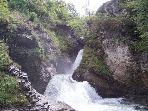 falls reichenbach switzerland waterfalls waterfall swiss famous meiringen interlaken near far bowden andrew credit via flickr bernese oberland seven