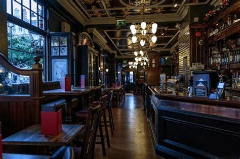 The Wellington, London  351 Stra, Covent Garden